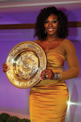 5-Serena-Williams-with-Wimbledon-2012-trophy.jpg